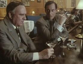 Charles Dance dans le rôle de Fleming