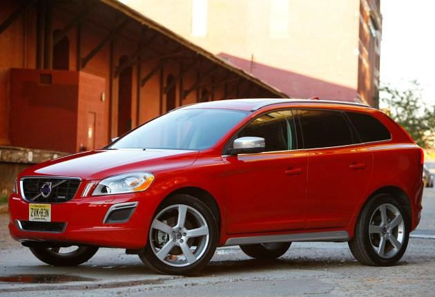 2011-Volvo-XC60-R-Design
