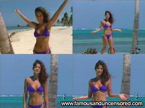 Brooke Burke Nude Sexy Scene Wild On Wild Bikini Posing Hot