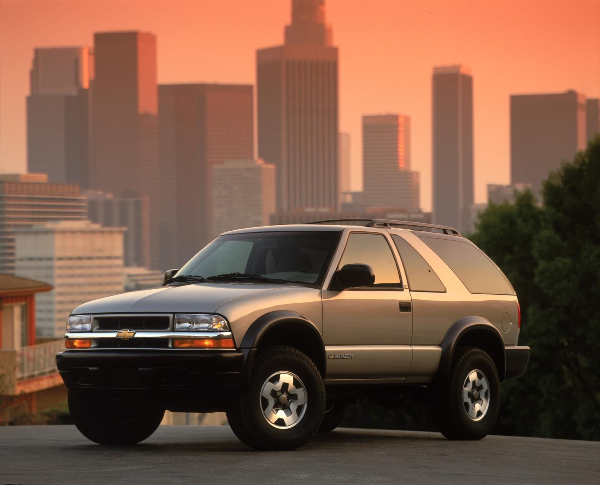4k Wallpaper Muscle Car 2002 Chevrolet Blazer Pictures History Value Research