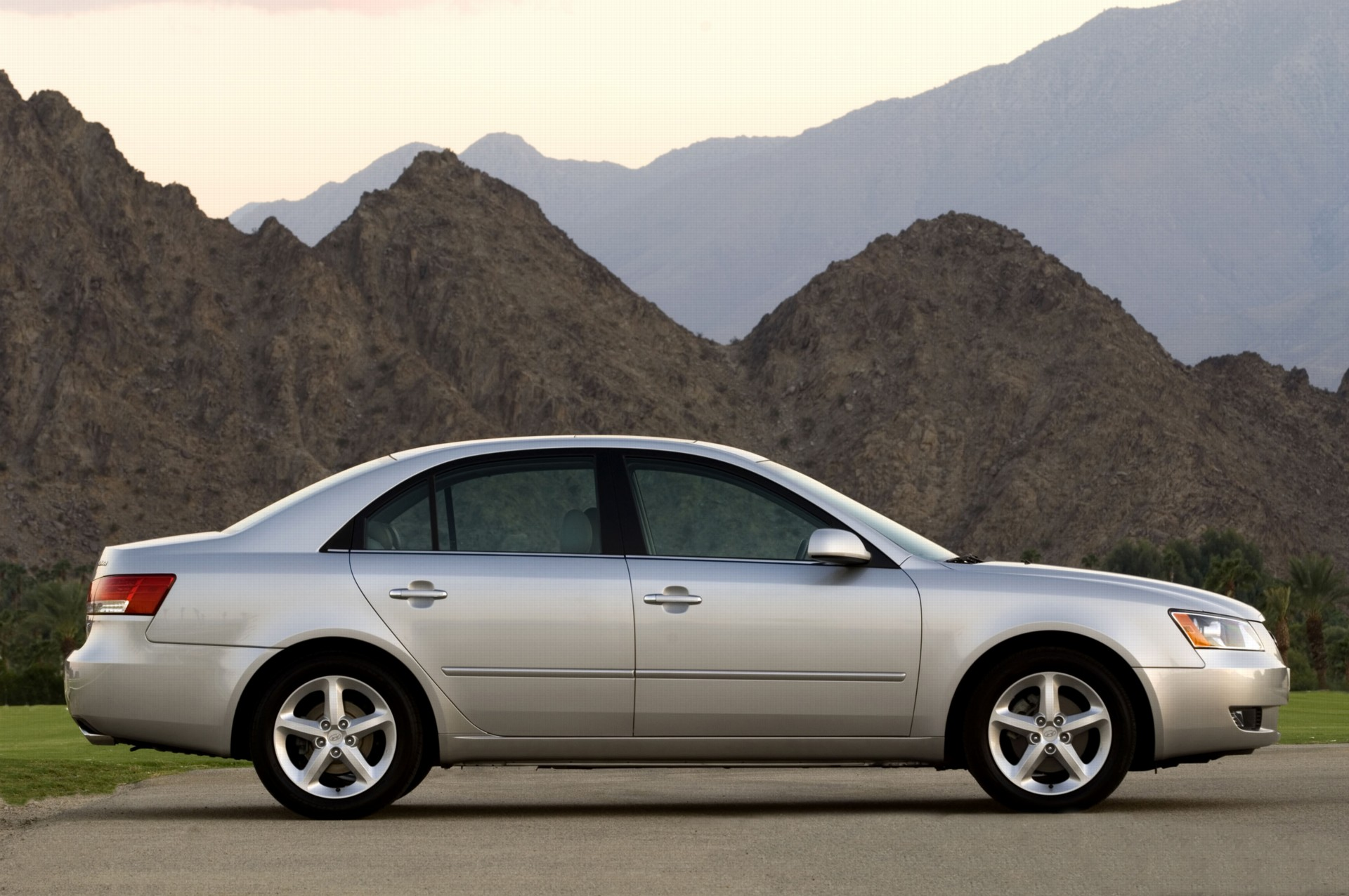 Wallpaper American Muscle Car 2007 Hyundai Sonata Pictures History Value Research