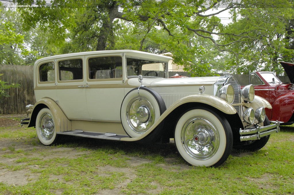 Phantom Car Wallpaper 1930 Packard 733 Image
