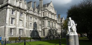 Trinity College Dublin, commons.wikimedia.org, Pilgab