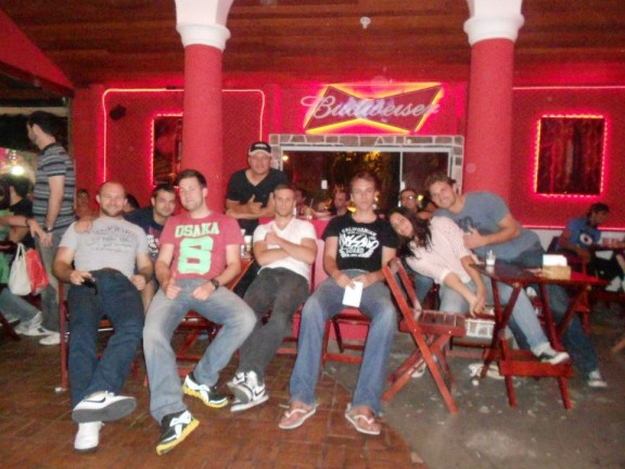 Watching UFC at Bar do Oswaldo, only 5 min walk from the Connection Rio house