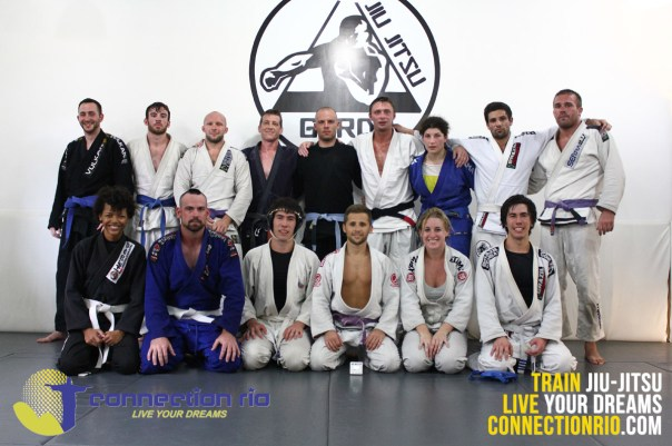 Afternoon class for everyone staying in the Connection Rio house
