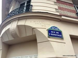 Cladirea veche pe Rue de L'ermitage
