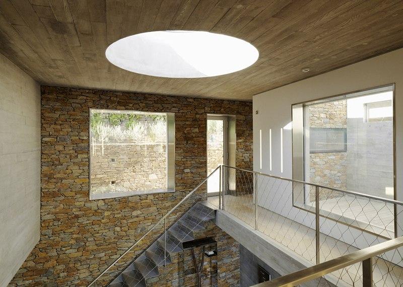 puits-de-lumière-Maison-Le-Cap-par-Pascal-Grasso-Var-Francejpg (800 - puit de lumiere maison