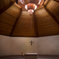 The skylight is directly over the altar in the middle of the rotunda.