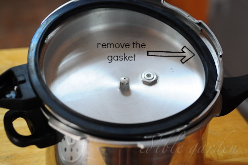 pressure cooker cake-how to make cake in a pressure cooker
