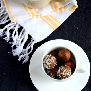 Almond Peanut Butter Rum Balls - no cook no bake recipe - www.cookingcurries.com