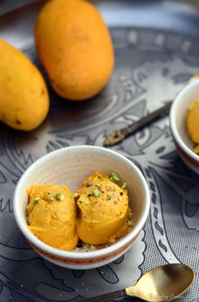 Vegan Mango Ice Cream with Pisachios - No Added Sugar - www.cookingcurries.com (5)