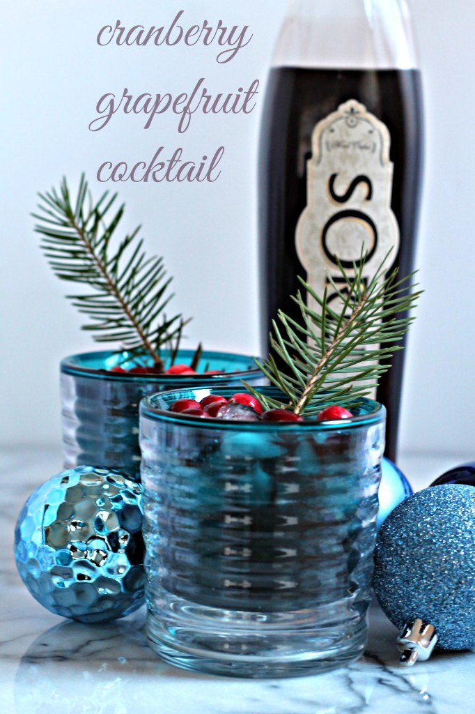 Celebrate the holidays with this Cranberry Grapefruit Cocktail, a refreshing recipe to brighten your winter parties!