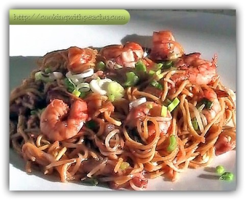 SHRIMP NOODLES WITH HOISIN SAUCE | Cooking with Peachy