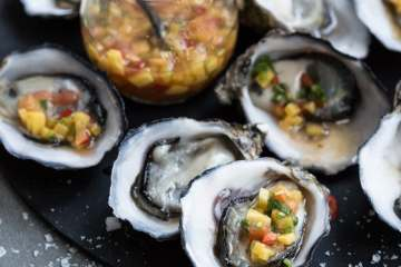 pacific_oysters_mango_dressing2