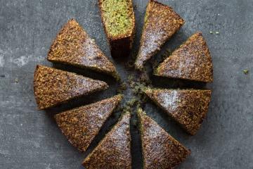 flourless_pistachio_cake1