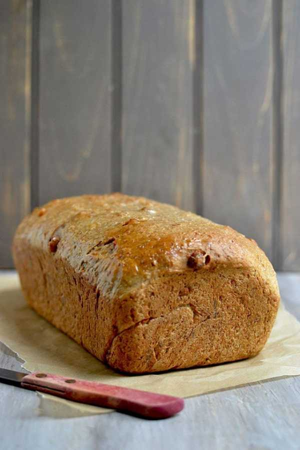 Oats Bread with Maple and Walnuts