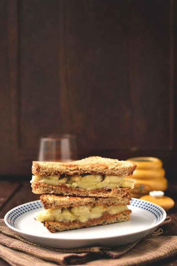 Peanut Butter and Banana Breakfast Sandwich