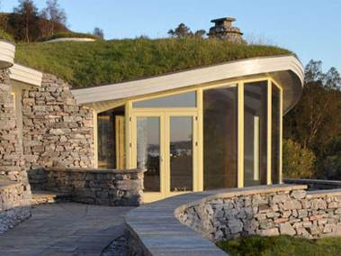 stonehouses-treetop-house-exterior-front