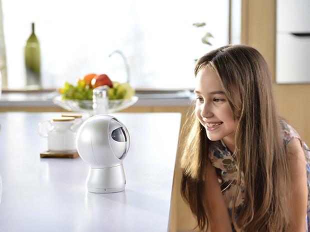 Moorebot-digitaler-Assistent-Familienunterhaltung