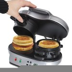 The Hamilton Beach Dual Breakfast Sandwich Maker gives you a low-stress morning