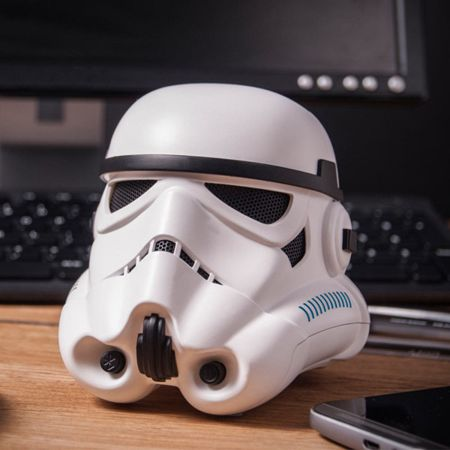 stormtrooper-bluetooth-speaker