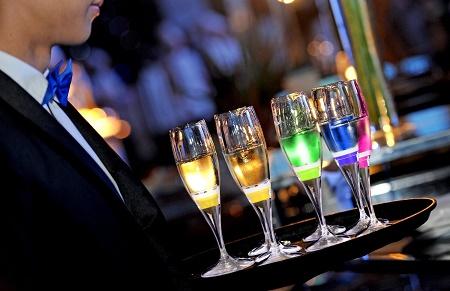 Ivation Light-Up Champagne Flutes