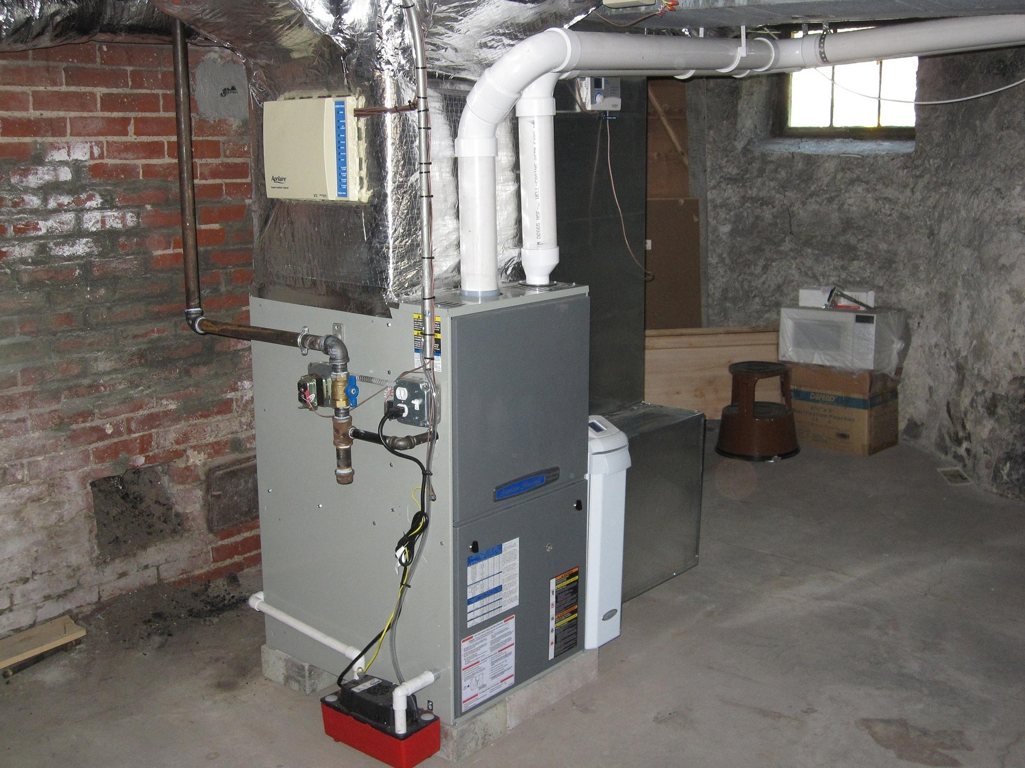 Gas Furnace With Air Cleaner And Humidifier Cooling