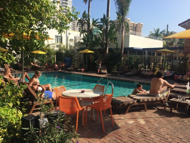 Pool am Nachmittag