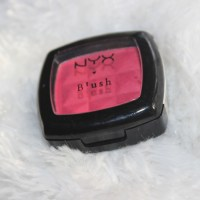 5 Reasons why you should try NYX's Red Blush!