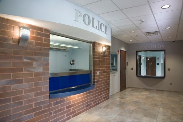 cm08-01 entry to Middlesex Police Station
