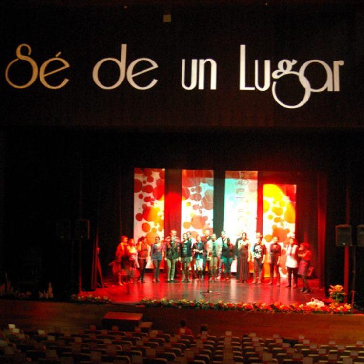 presentacion-disco-se-de-un-lugar-teatro-municipal-miguel-romero-esteo-montoro-coro-rociero-de-la-borriquita-1