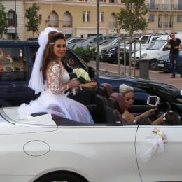 Beirut, profumo di donne:  spose sexy e pipe rosa