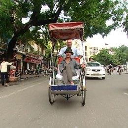 Guido io, vi porto in risciò  nel traffico di Hanoi