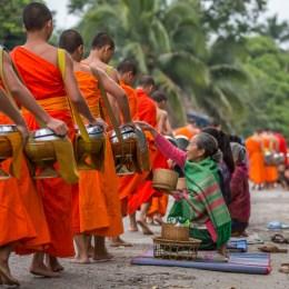 Sereno, mistico e sonnolento,  è il Laos di Luang Prabang