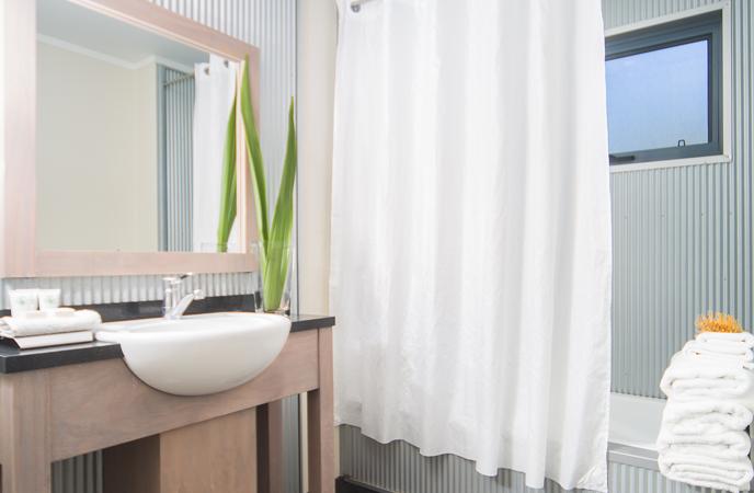 bathoom-accommodation