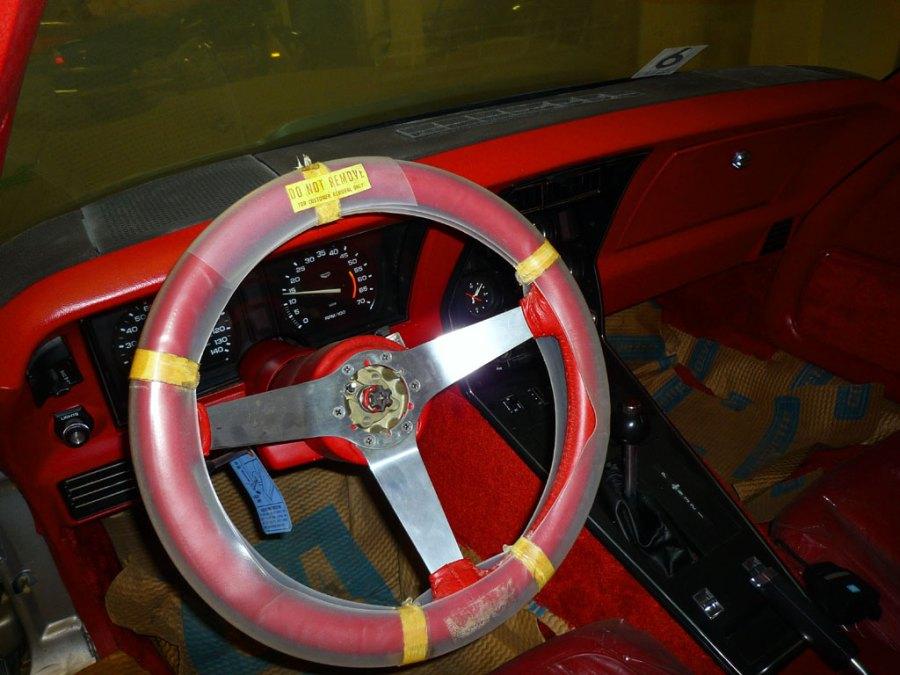 in-dash-steeringwheel-left2