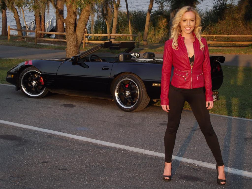 Corvette Girl Wallpaper Gallery Black Friday 41 Corvette Photos Corvette