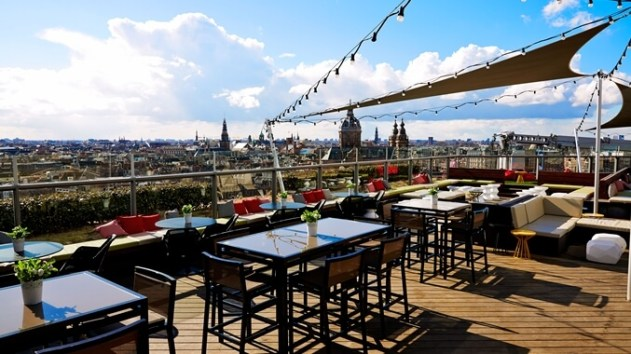 SkyLounge Terrace: During the day, the lounge is the perfect spot for all your appointments, both business and private. Enjoy a cup of Buscaglione coffee or a dish from our sophisticated lunch menu.