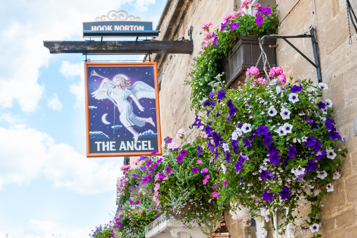 the angel at burford pub restaurant hotel cotswolds