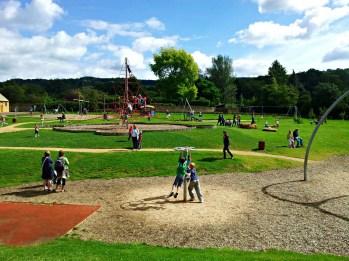 broadway playground cotswolds