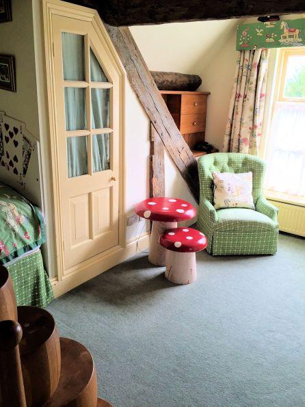 evesham-hotel-cotswolds-concierge-family-alice-wonderland-6