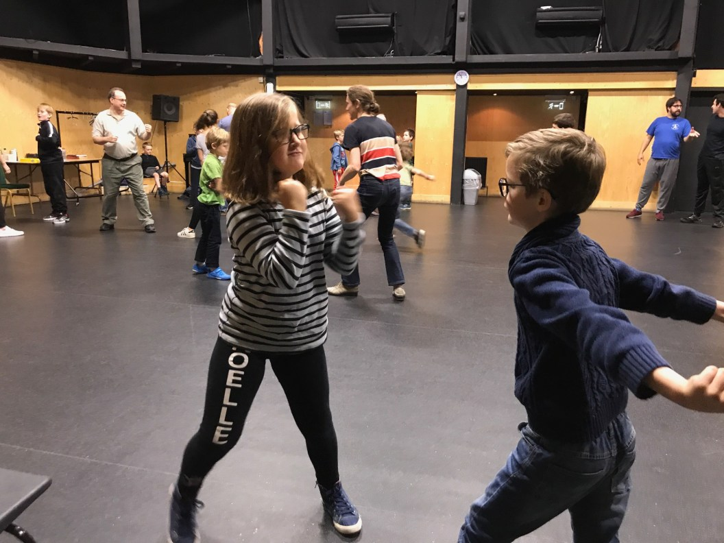 stage-fighting-class-rsc-cotswolds-concierge (6)