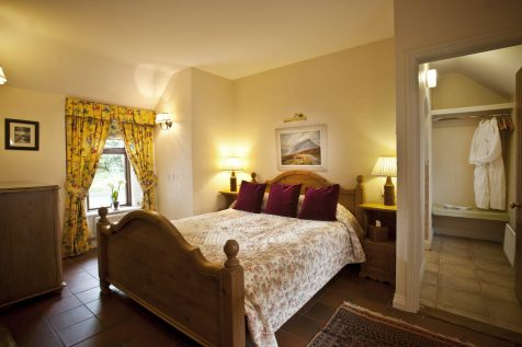 Rose Cottage luxury bedroom.