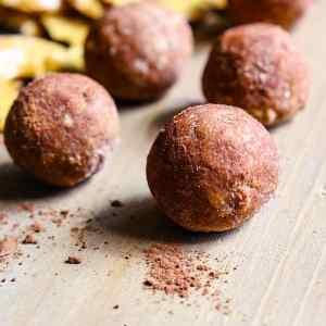Cocoa Cashew Pretzel Bites and BEST GLUTEN FREE FOODS Giveaway!
