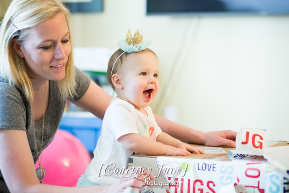 first-birthday-party-dr-suess-minneapolis-family-photographer-first-birthday-photographer-45
