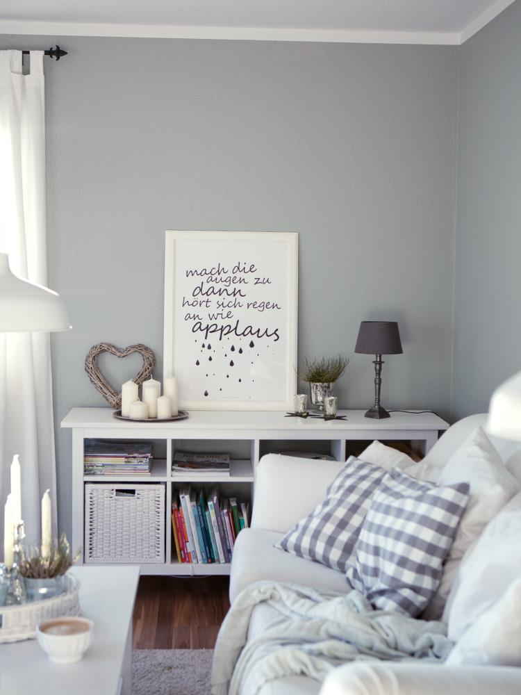Wir streichen die bl de gelbe wand eine wochenend aktion mit farrow ball cozy and cuddly - Groayes wohnzimmer ...