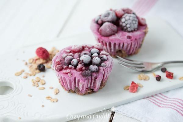 Gesund Naschen: Vegane Frozen-Yoghurt-Granola-Cups mit dem neuen Granola von Barnhouse – Werbung