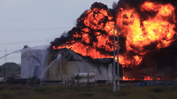 Fire Spreads At Oil Refinery After Explosion Cp24com