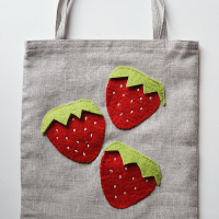 Beginner-Friendly Tote Bag Tutorial (and 3 ways to pretty it up!)