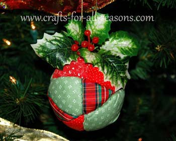 Free Fall Pumpkin Wallpaper Quilted Ball Ornament